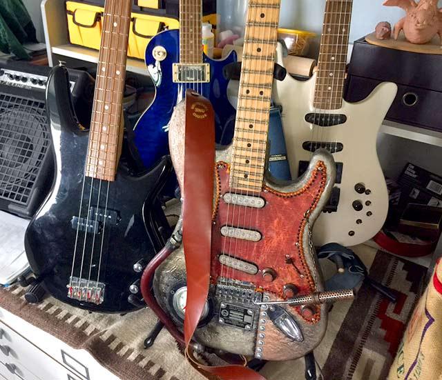 GuitarPick01